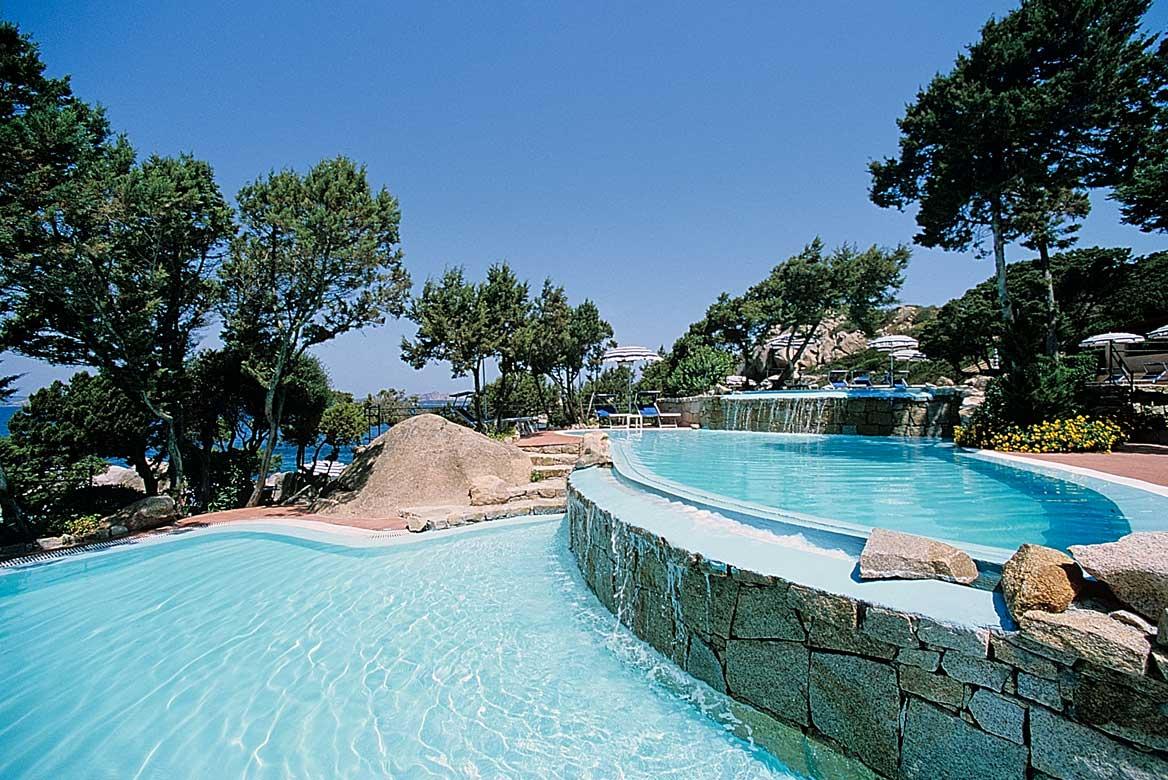 Szardínia 4 csillagos hotelek Smeraldo Beach