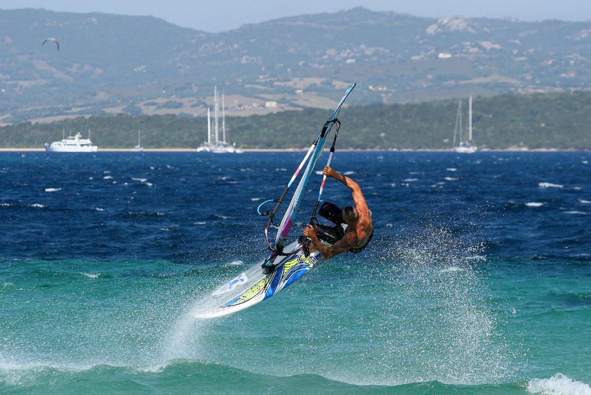 Windsurf Szardínián - utazás, nyaralás