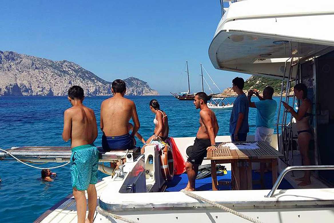 Hajókirándulás delfinekkel
