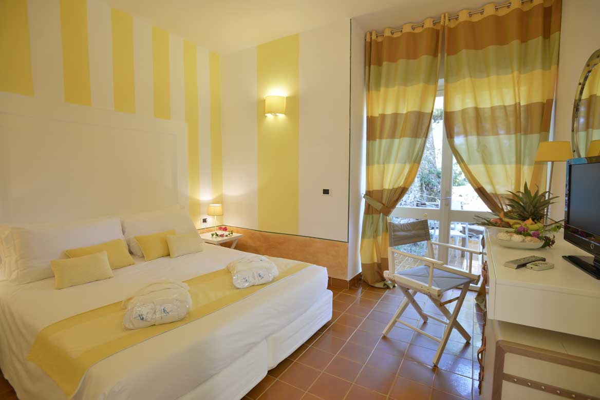 Szardínia 3 csillagos hotelek La Pelosa